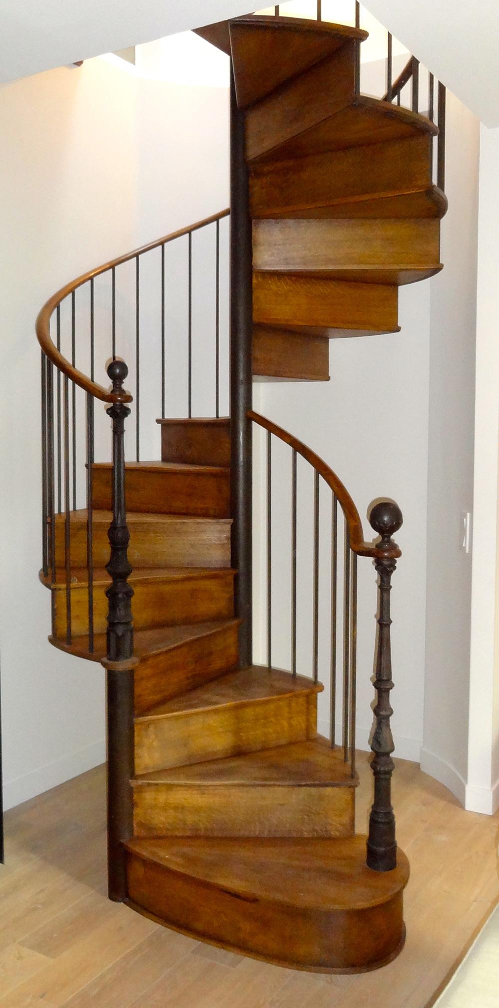 escalier helicoidal ancien