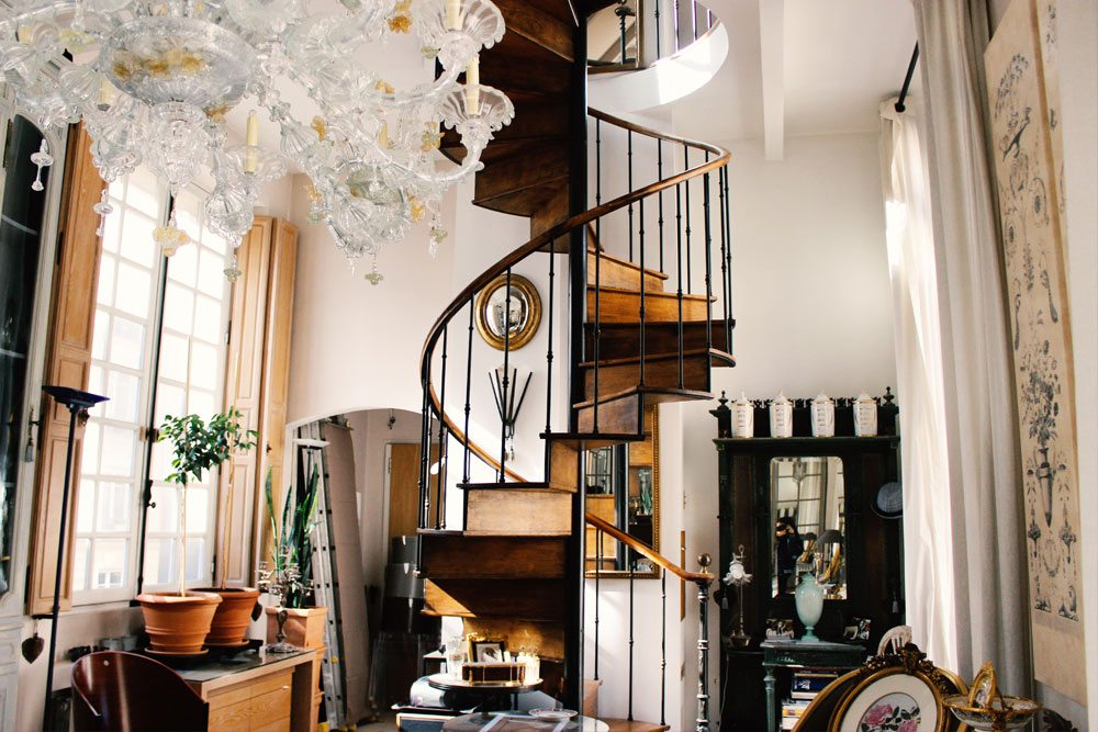 Iron and wood spiral staircase installed in a parisian hotel particulier